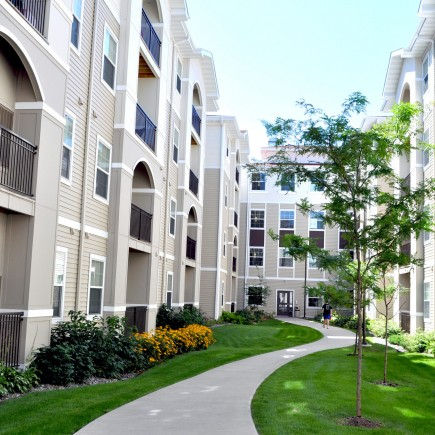 University of Minnesota | Jefferson at Berry - Student Housing